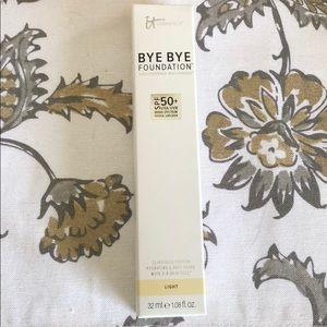 It Cosmetics Bye Bye Foundation (Light)